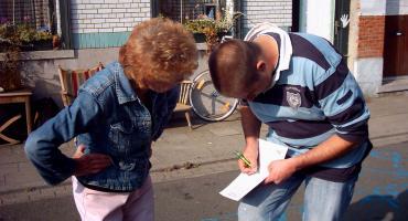 Een Haarlemse opbouwwerker leert collega's buurtgericht te werken