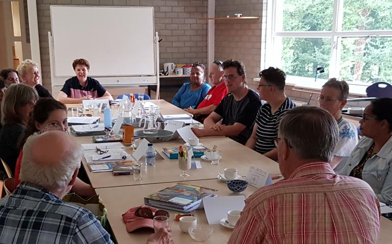 Bijeenkomst met mensen over project in Drachten