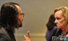 Dialoog is niet te soft bij politieke meningsverschillen