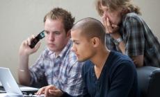 Collectivering van individuele problemen lijkt ondergesneeuwd in brede sociaal-werk-opleidingen
